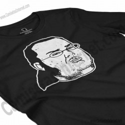 Camiseta meme Friki Chica color negro perspectiva cerca