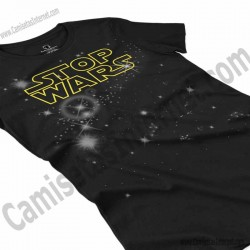 Camiseta Stop Wars amarillo Chica color negro perspectiva cerca