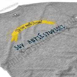 Camiseta_no soy antiSocial Soy antiEstupidez Chico color gris Jaspeado perspectiva cerca