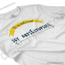 Camiseta_no soy antiSocial Soy antiEstupidez Chica color blanco perspectiva cerca