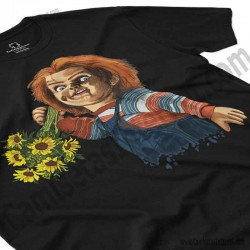 Camiseta Chucky con flores Chico color negro perspectiva cerca