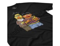 Camiseta Epi y Blas chico color negro perspectiva cerca