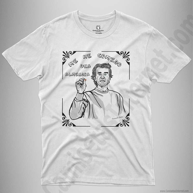 Camiseta Fernando Simón con frase Me he comido una almendra Chico color blanco