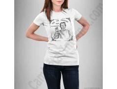 Camiseta modelo Fernando Simón con frase Me he comido una almendra Chica color blanco